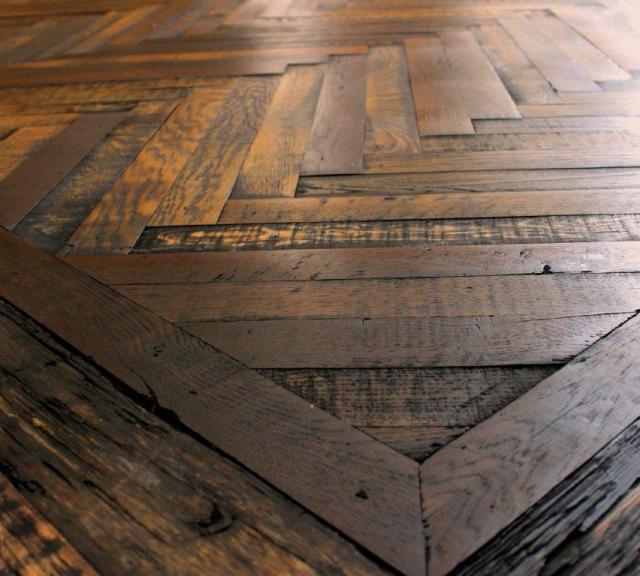 Herringbone wood floor pattern
